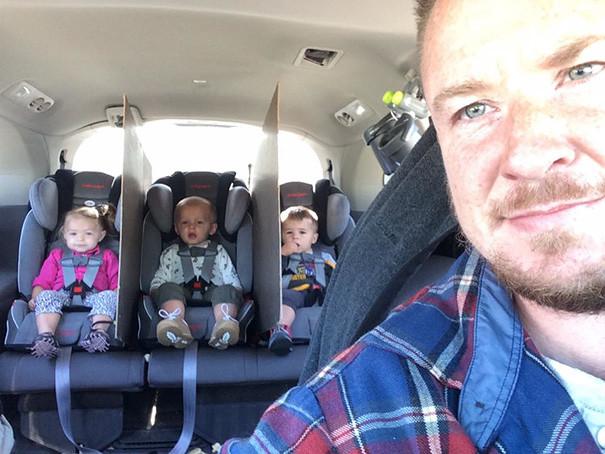 Чтобы избежать драк и ссор в машине, используйте листы фанеры, как этот гениальный папа! воспитание, дети, советы, хитрости
