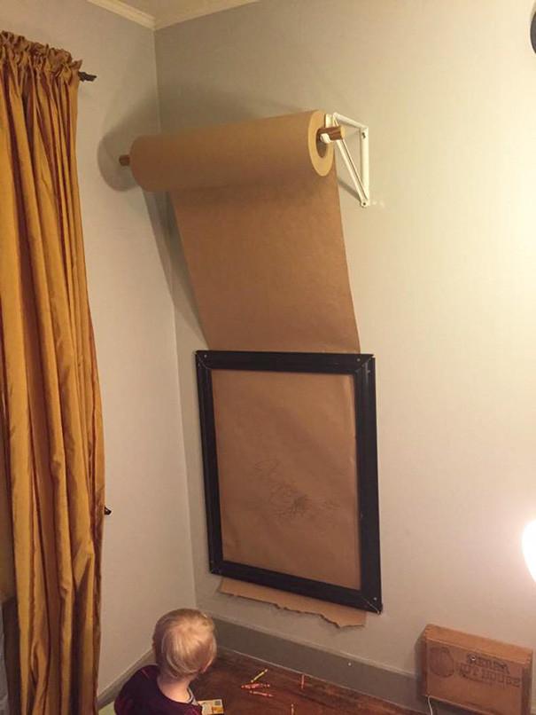 Рулон оберточной бумаги послужит практически бесконечной доской для рисования воспитание, дети, советы, хитрости