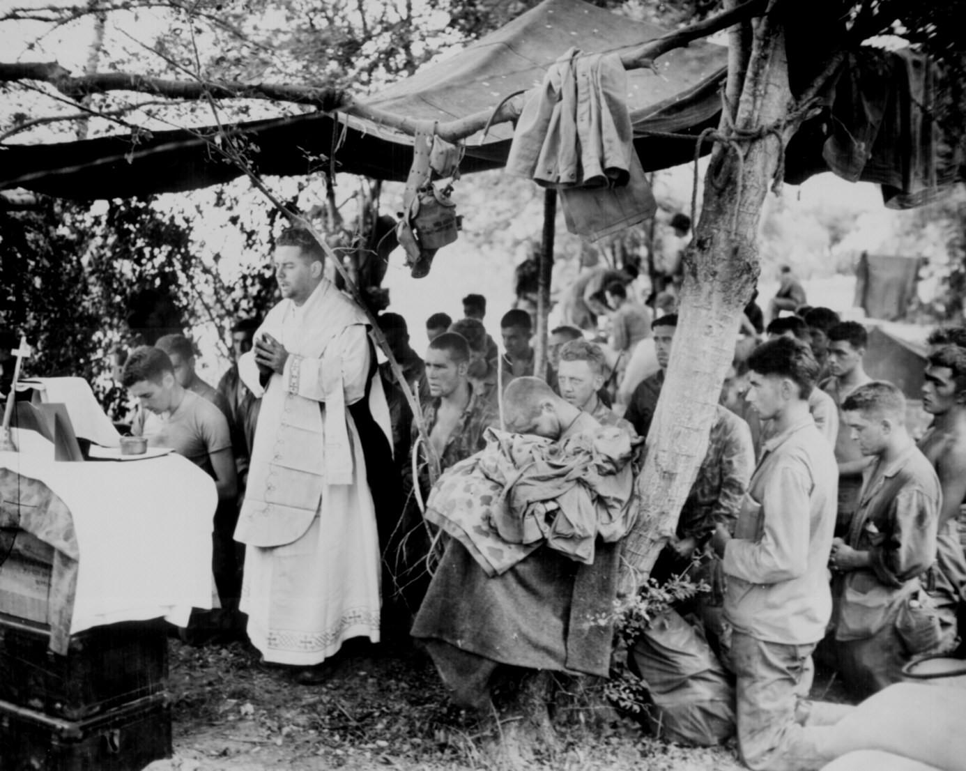 поднимает христиане во второй мировой войне цели, содержание этапы