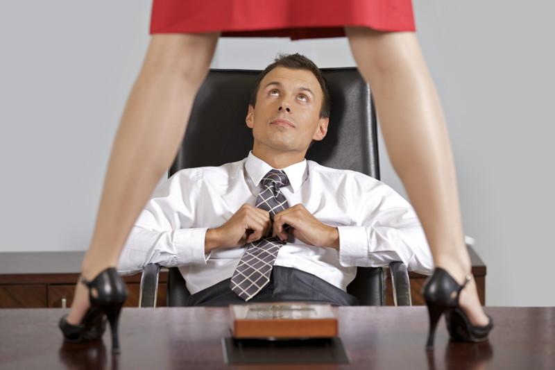 Секретарша у шефа за повышение видео