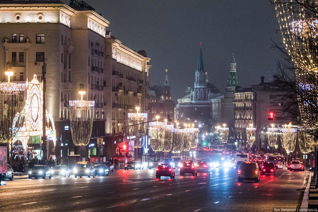 фото с улиц москвы сегодня качели отличаются форме