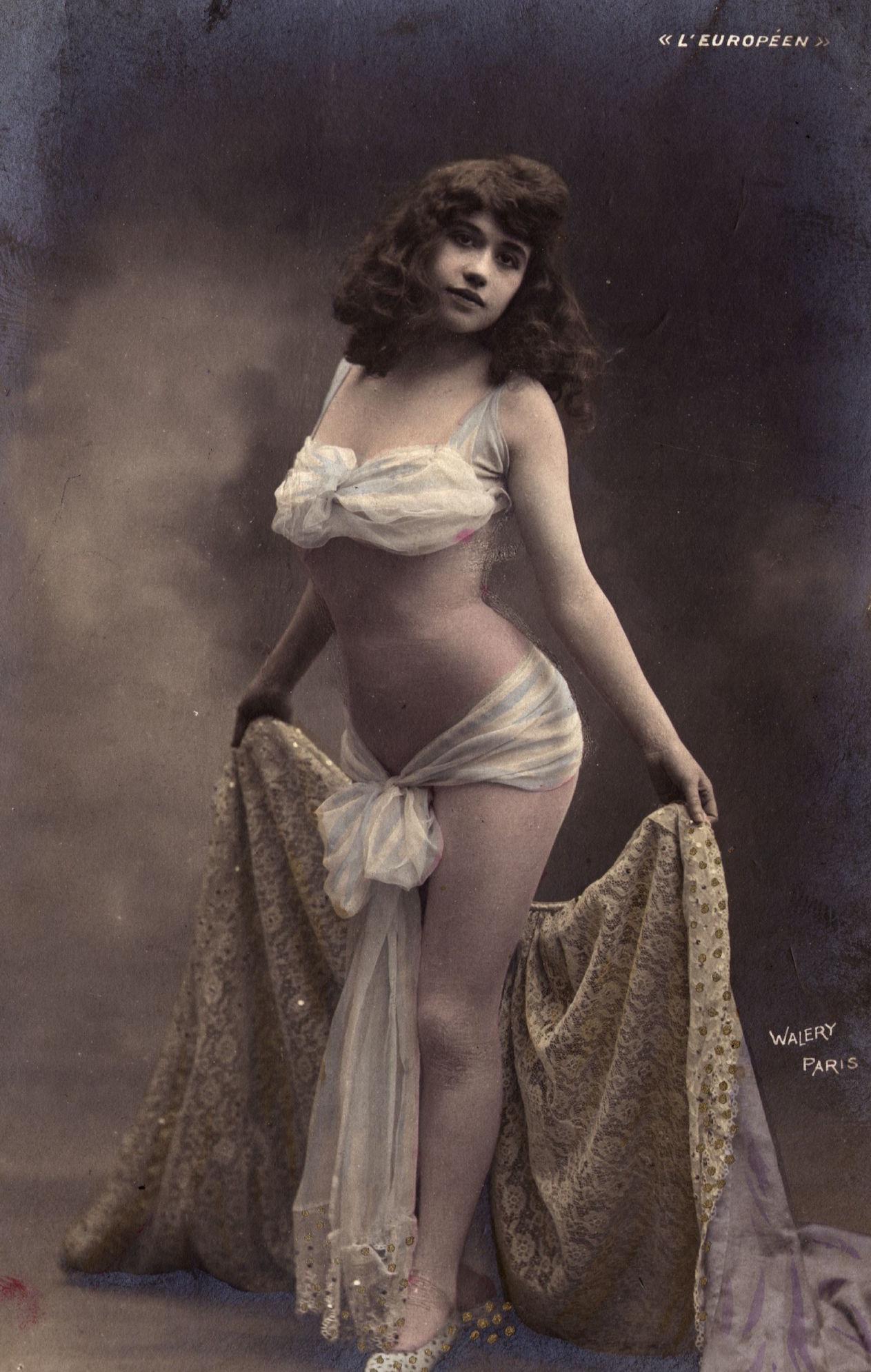 Image result for Танцовщица парижского кабаре, 1900 год