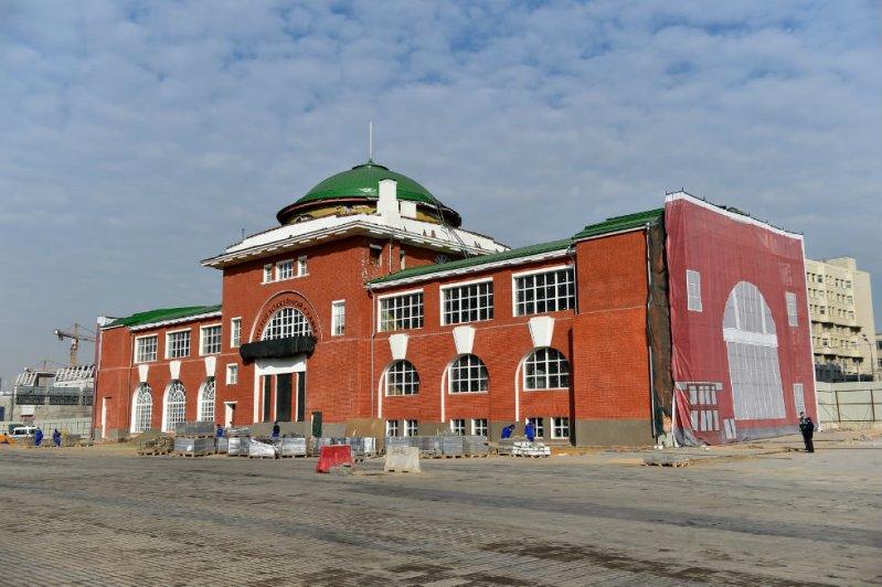 Историческое здание заводоуправления АМО, в котором прежде располагался заводской музей ЗИЛа.  автомузей, зил, музей