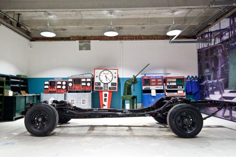 Здесь лишь два автомобильных экземпляра: тележка и кузов от короткобазного 41-го ЗИЛа.  автомузей, зил, музей