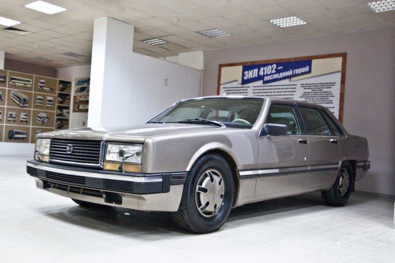 Здесь стоит «Райка» - единственный в мире ЗИЛ 4102, построенный по указанию Михаила Горбачева. автомузей, зил, музей