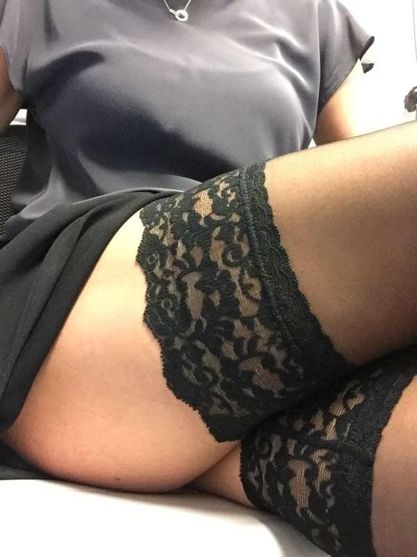 скучно девушкам на работе вк