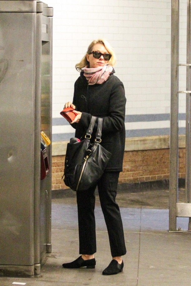 Наоми Уоттс знаменитости, метро
