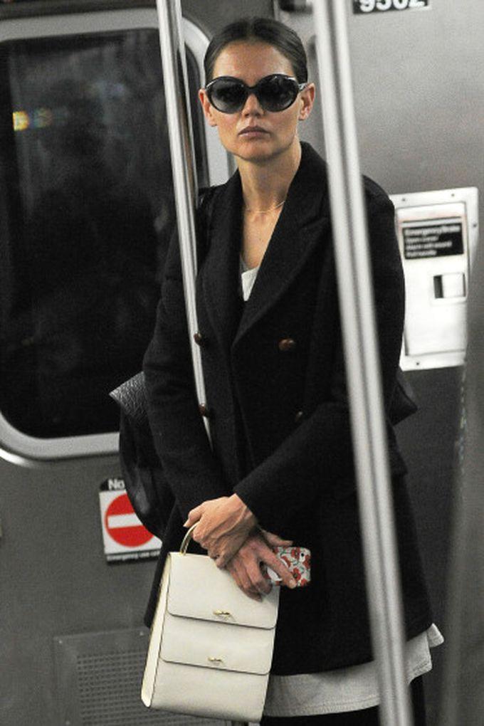 Кэти Холмс знаменитости, метро