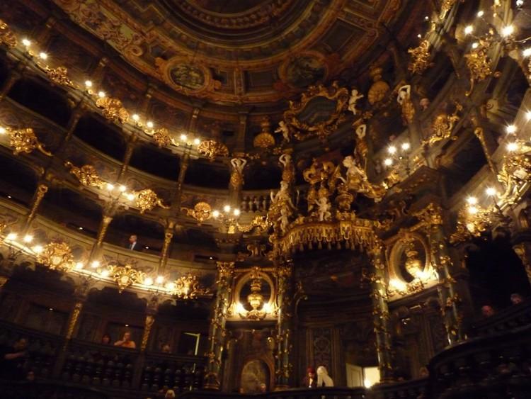 Не упустите представление в Маркграфском оперном театре в Байройте — это один из самых роскошных оперных театров в мире германия, путешествие