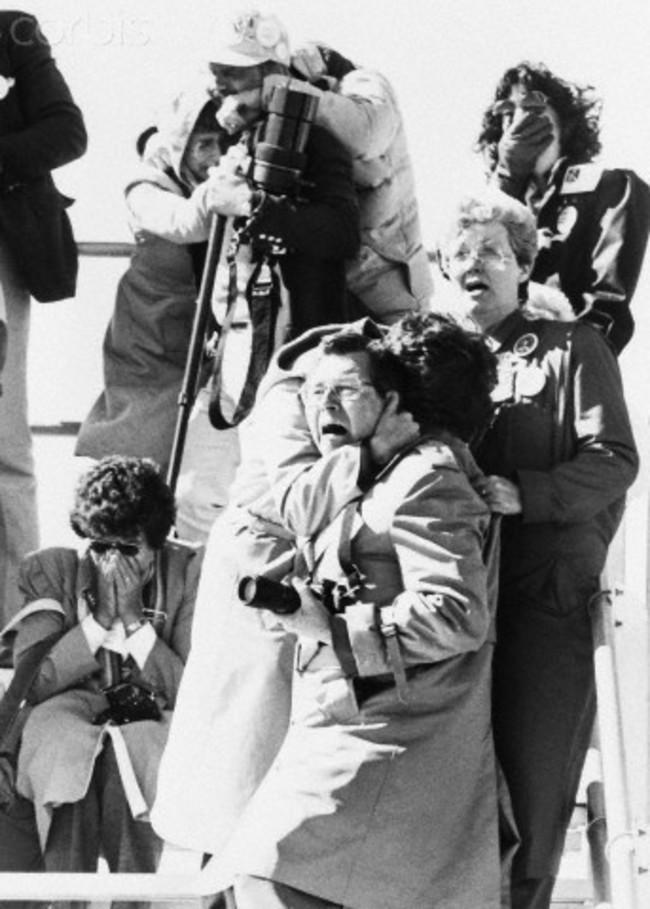1986. Зрители наблюдают катастрофу «Челленджера». интересно, история, фото