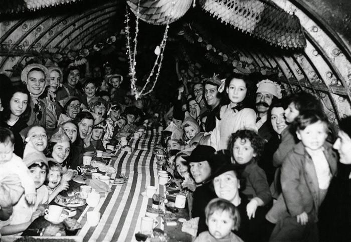 1940. Рождество в лондонском метро. интересно, история, фото