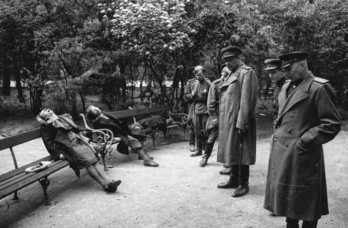 1945. Массовое самоубийство в Вене перед приходом Красной армии. интересно, история, фото