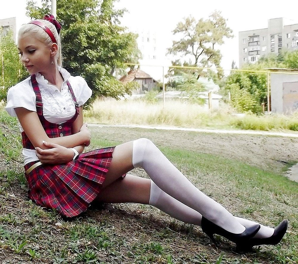Free amateur video schoolgirl — photo 1