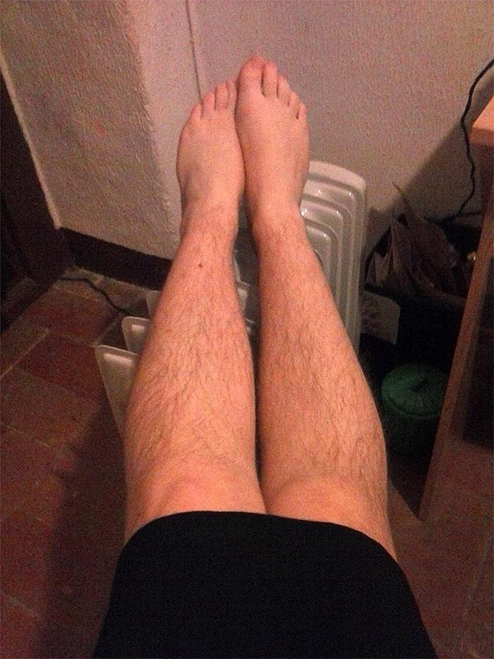 волосатые женские ножки фото краткие поверхностные гомосексуальные
