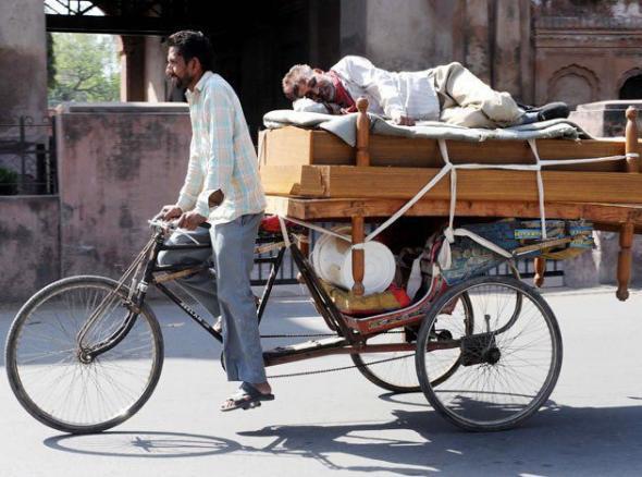 Спальное место на рикше жизнь, индия, факты, фотографии