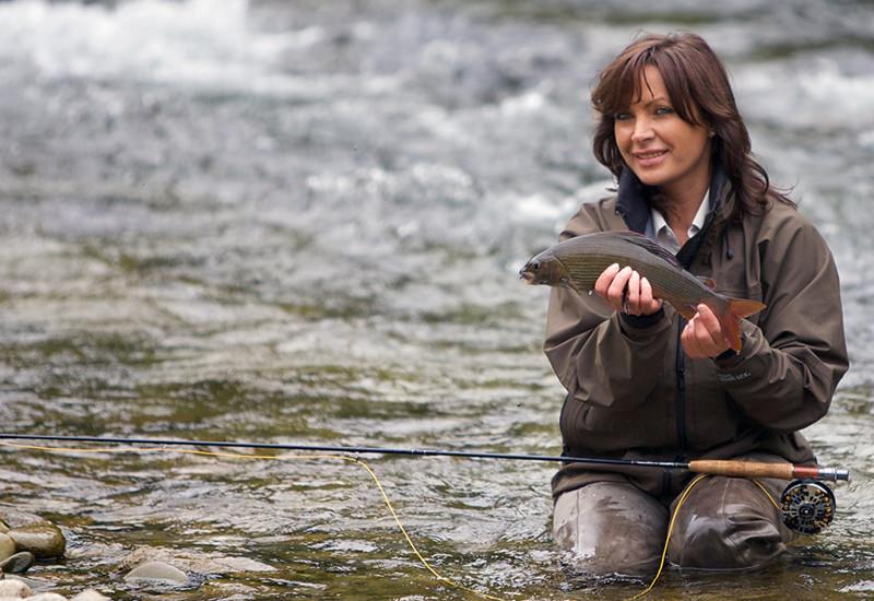 Дамы на рыбалке видео фото дрочит