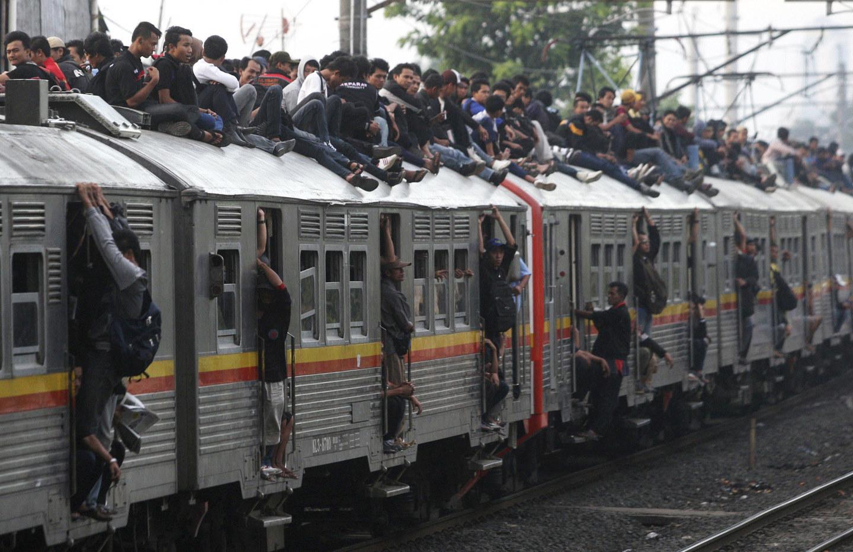 Прикольные картинки пассажиров поездов