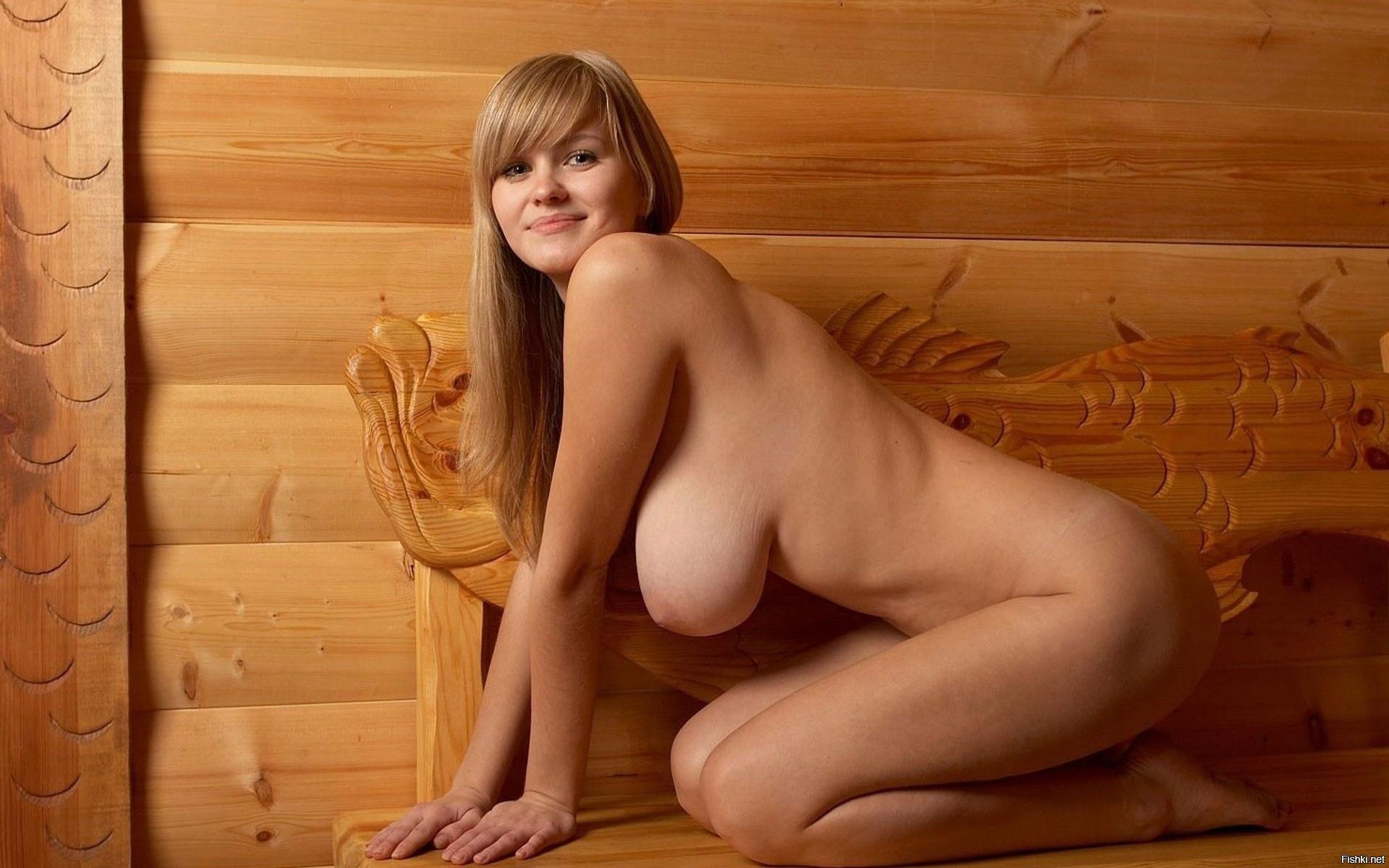 в бане одни голые женщины тех