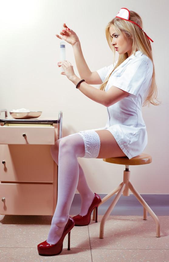 очень фотки медички в колготках девушка