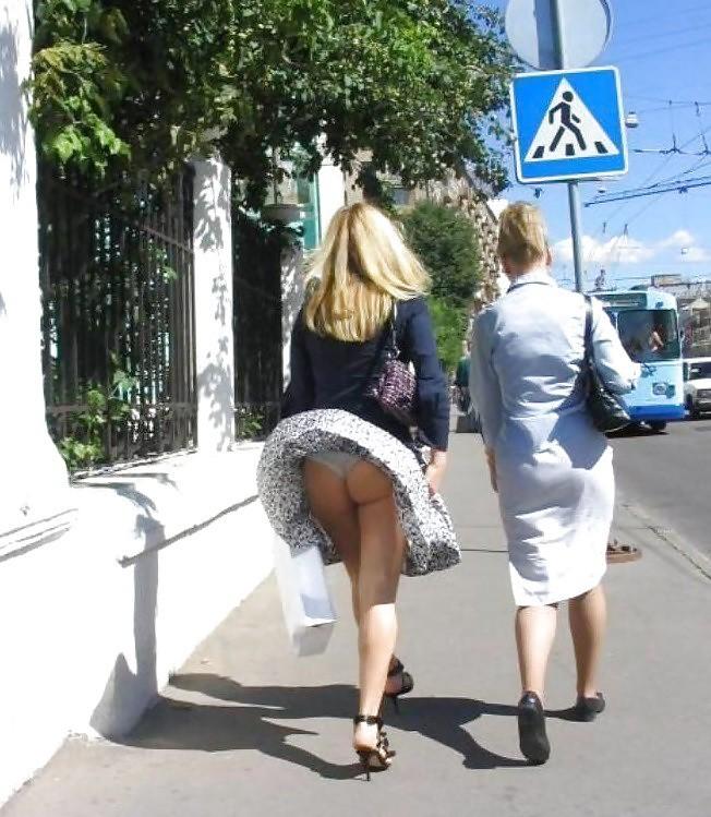 Фистингом парни ветер против юбки видео эротика женщины