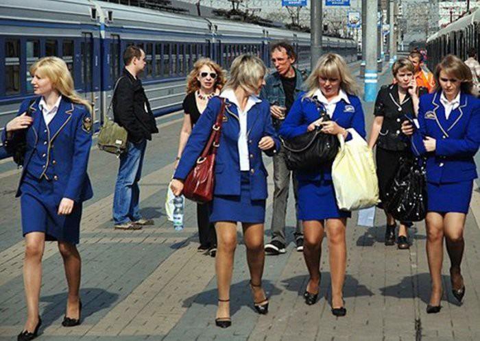 foto-devushek-provodnits-eroticheskie-foto-kremenchuzhanok