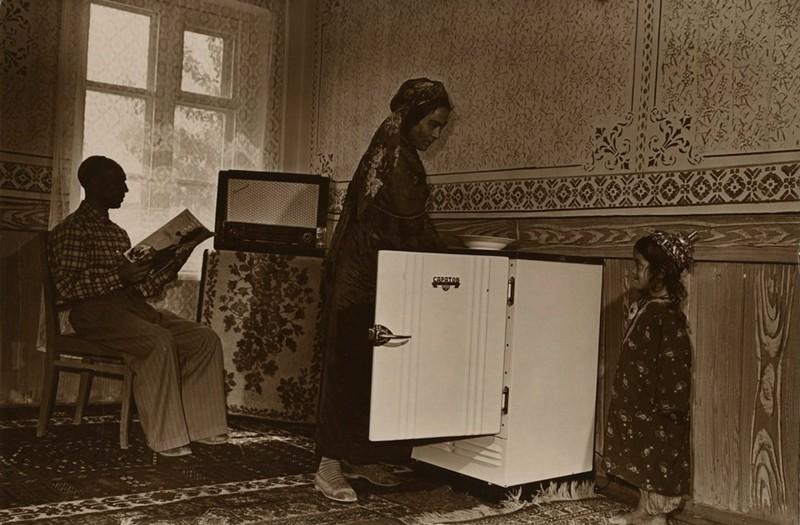 В. Шапошников. В доме колхозника Эсена Абаева, 4 сентября 1962 г.  дефицит, люди, мечта