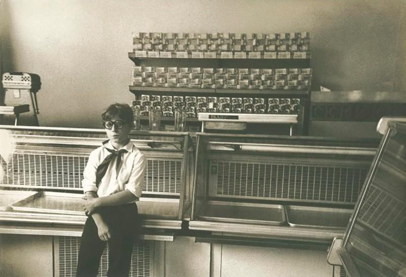 Александр Сигидин. Ожидание, Днепропетровск, Украинская ССР, 1980-е дефицит, люди, мечта