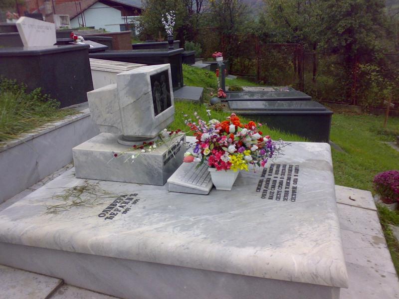 Минутка сумасшедшего кладбищенского юмора  кладбище, прикол, черный юмор, юмор