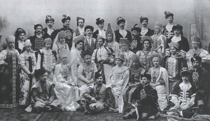 Участники последнего костюмированного императорского бала были, история, карты