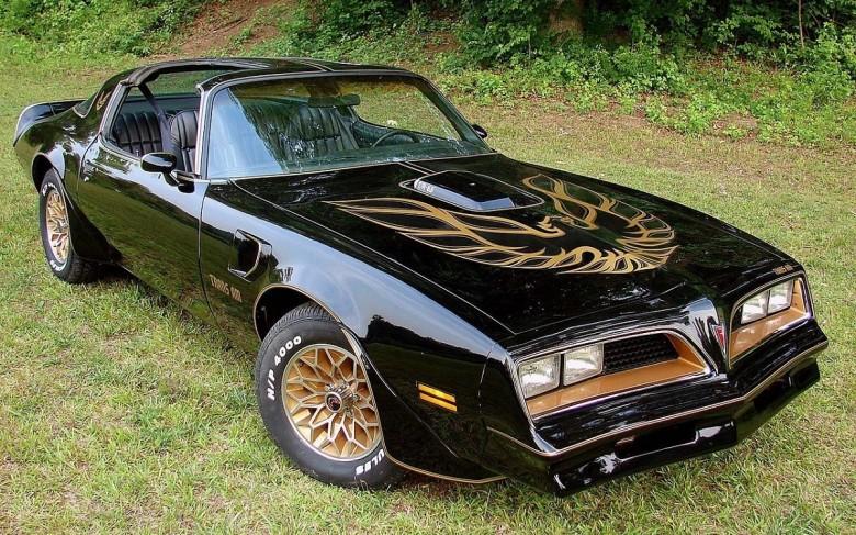 10. 1977 Pontiac Trans Am - Смоки и Бандит (1977) авто, знаменитые автомобили, кино, кинотачки