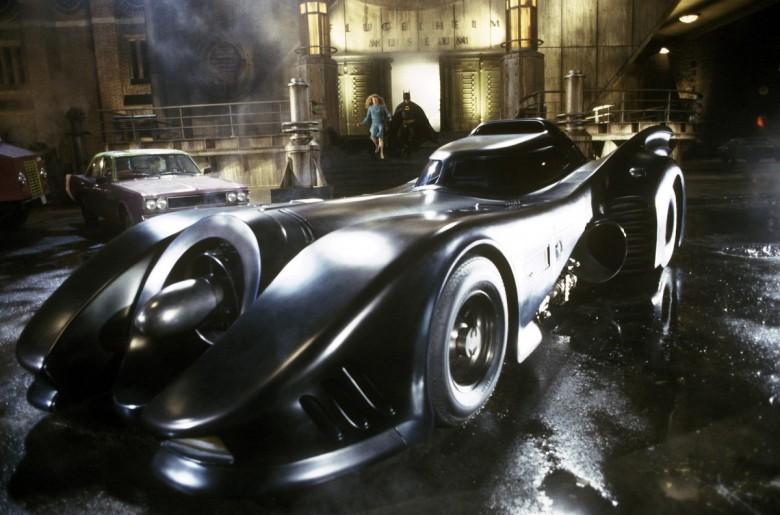 8. Бэтмобиль - Бэтмен (1989) авто, знаменитые автомобили, кино, кинотачки