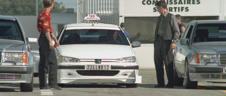 17. Peugeot 406 - Такси (1998) авто, знаменитые автомобили, кино, кинотачки