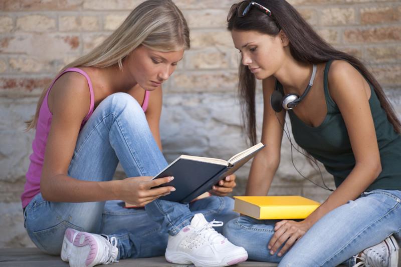 Онлайн молодые студенточки