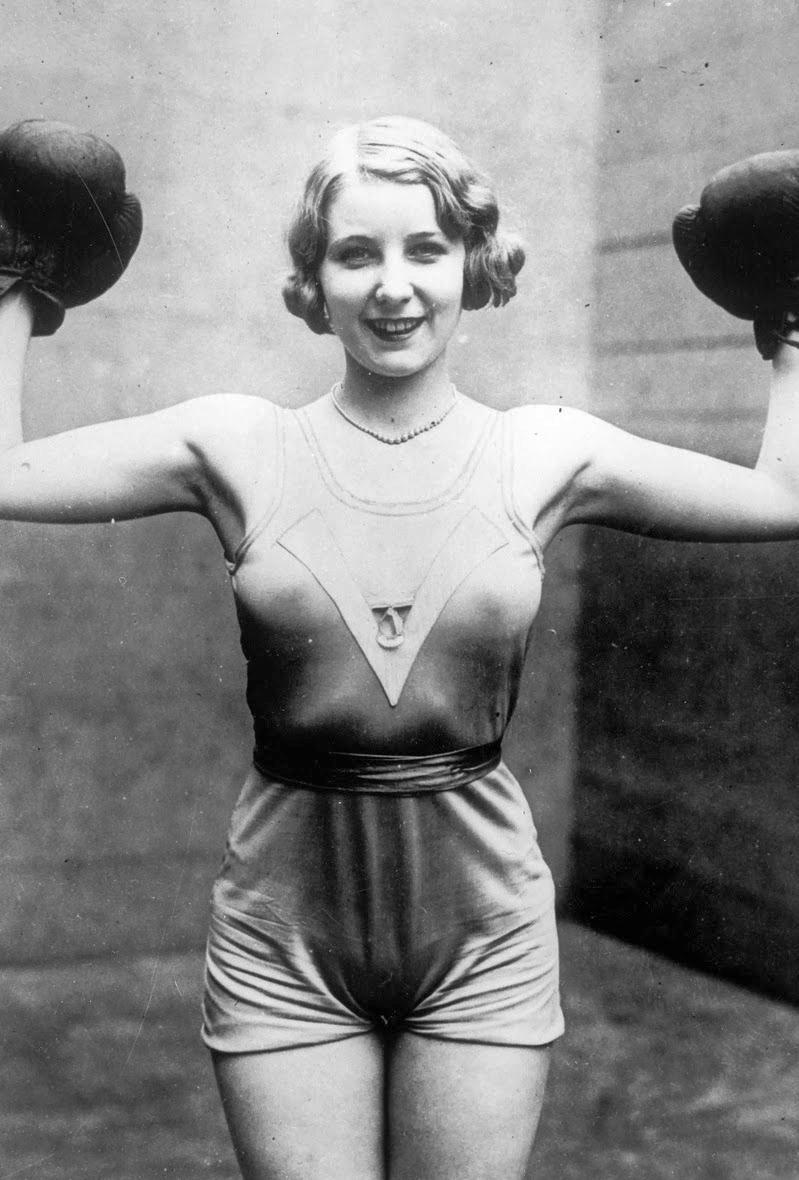 Порно советские спортсменки в купальниках фото российской эстраде прозрачной