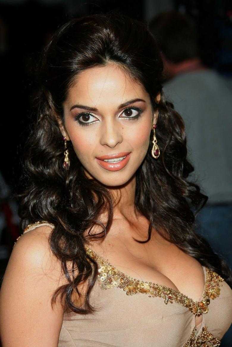 Эро фото актрис индийского кино — img 2
