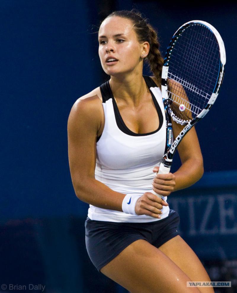 Теннисная сексуальность женщины