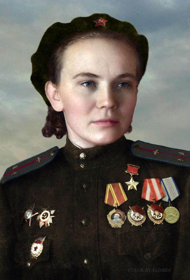 Девушки герои россии