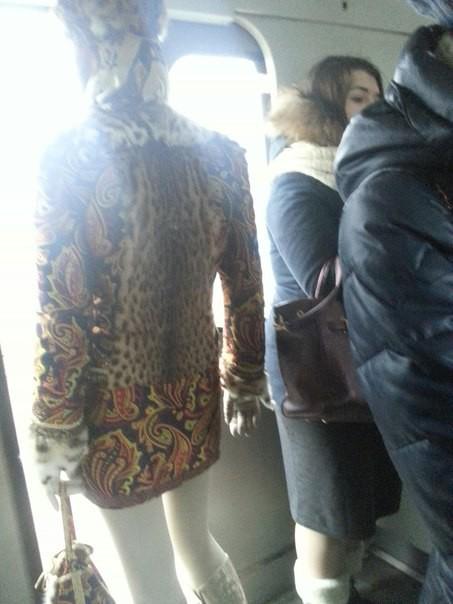 2. Жар-птица люди, метро, мода, настроение