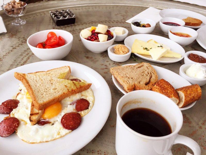Прикольные картинки с завтраком и с добрым утром