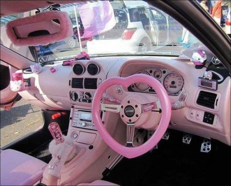И розовый цвет, обязательно. девушки, женские авто, прикол, юмор