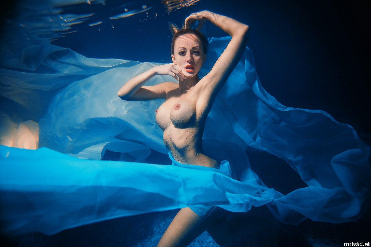 Эротика под водой фото, Голые девушки в бассейнефото в воде и под водой 14 фотография