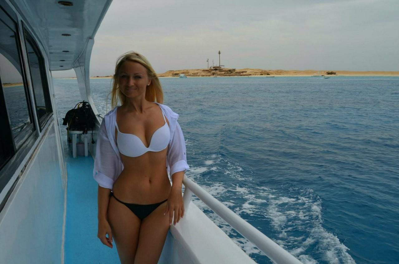 Частное фото девушек с отдыха на море 3
