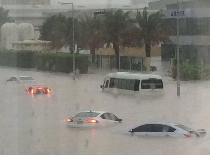 дубай ураган