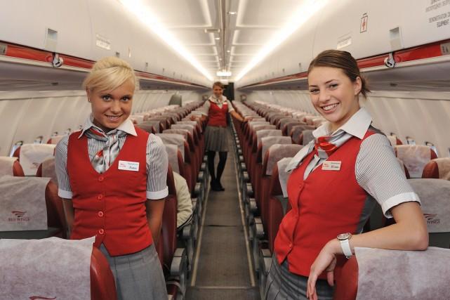 Две сексуальные стюардесы100 к 1