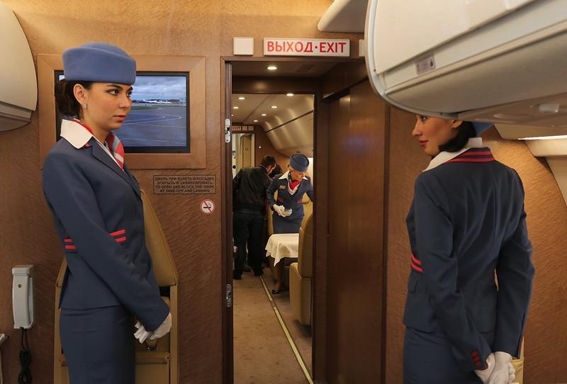 Видео стюардесса займётся с пассажиром сексом