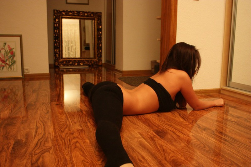 ремонта квартиры девушка на шпагате фото коробки