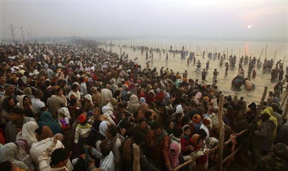 7. В 2013 году в Кумбха-меле участвовало 120 миллионов человек, что приблизительно равняется численности населения Мексики. индия, интересное, население, факты