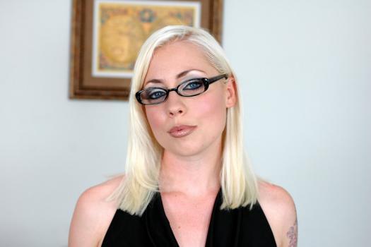 Порно с лорелей ли, девушки в прозрачных купальниках на пляжах видео