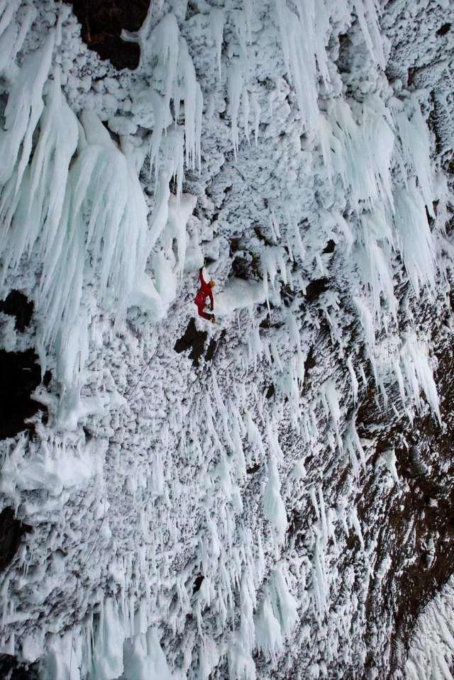 Скалолазание на льду в Иране спорт, ужас, экстрим