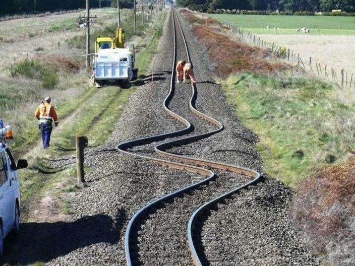 9. 9. Вот что землетрясение сделало с железнодорожными путями в Новой Зеландии мир, природа, странности, фотографии, человек